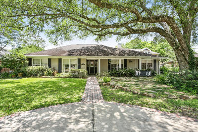 Lafayette  Single Family Home For Sale: 402 Live Oak Drive