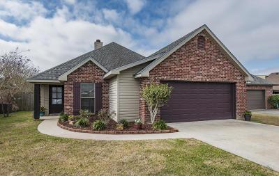 Lafayette  Single Family Home For Sale: 211 Rue Aubin