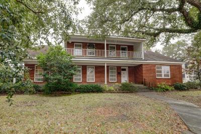 Single Family Home For Sale: 610 N Main Street