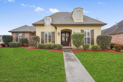 Single Family Home For Sale: 511 Cypress Cove