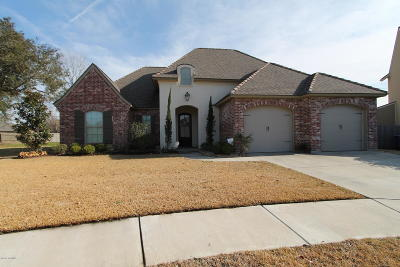Lafayette Single Family Home For Sale: 118 Old Pottery Bend
