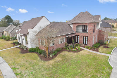 Lafayette Single Family Home For Sale: 100 Candlewood Drive