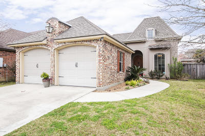Lafayette Single Family Home For Sale: 204 Lafittes Landing