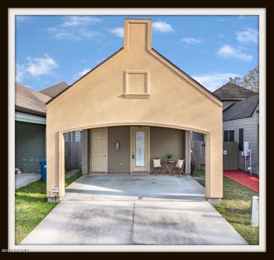 Lafayette Single Family Home For Sale: 205 Flamingo Row