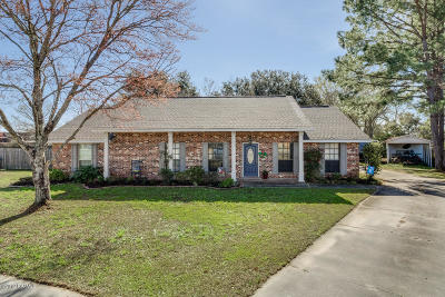 Lafayette Single Family Home For Sale: 105 Tallowood Circle