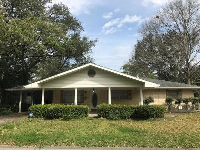 Eunice Single Family Home For Sale: 1460 Yukon Street