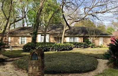 Lafayette Single Family Home For Sale: 111 Running Deer Drive