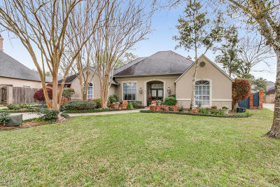 Fernewood Single Family Home For Sale: 207 Waterford Drive