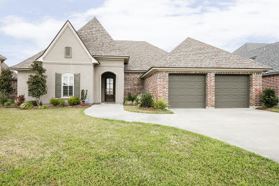 Broussard Single Family Home For Sale: 201 Cane Creek Drive