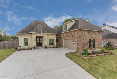 Lafayette Single Family Home For Sale: 107 Gated Trinity Court