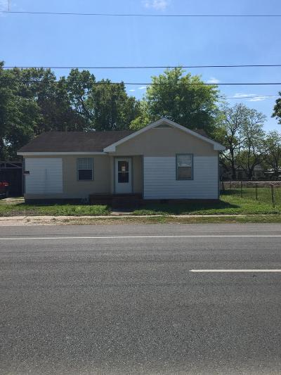 Single Family Home For Sale: 552 E Saint Peter Street