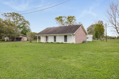 Single Family Home For Sale: 1675 Anse Broussard Hwy.