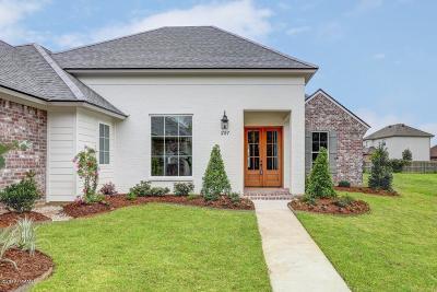 Lafayette  Single Family Home For Sale: 207 Sandbar Lane