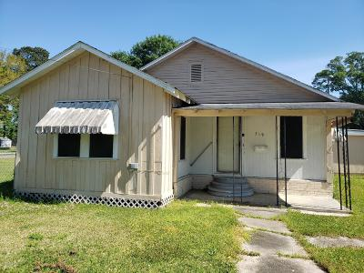 Church Point Single Family Home For Sale: 519 E Plaquemine Street