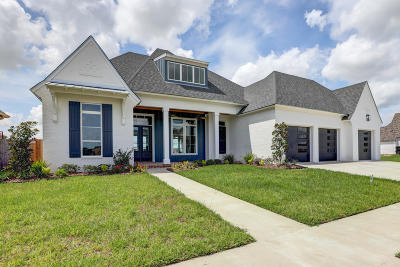 Broussard Single Family Home For Sale: 203 Bronze Palm Way