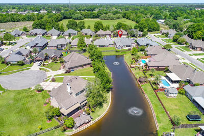 Lafayette Single Family Home For Sale: 103 Lost Lake Drive