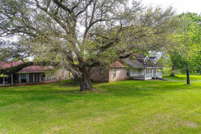 Jeanerette Single Family Home For Sale: 2709 Kris Kringle Road