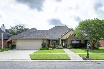 Lafayette Single Family Home For Sale: 106 Lodgepole Circle