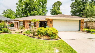 Lafayette  Single Family Home For Sale: 107 Papwood Circle