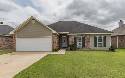 Lafayette  Single Family Home For Sale: 227 Shadowbrush Bend