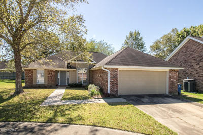 Copperfield Single Family Home For Sale: 126 Queensford Way