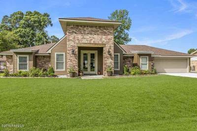 Lafayette Single Family Home For Sale: 205 Robinhood Circle