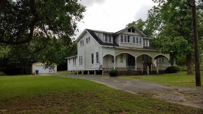 Single Family Home For Sale: 800 Daigle