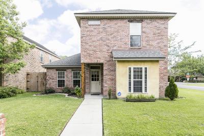 Lafayette Single Family Home For Sale: 131 Breckenridge Loop