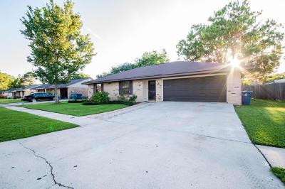 Lafayette  Single Family Home For Sale: 123 Trojan Place