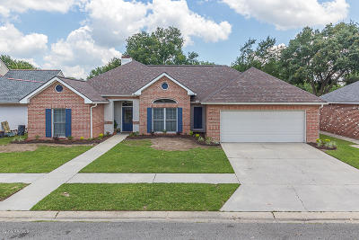 Lafayette Single Family Home For Sale: 130 Chantilly Circle