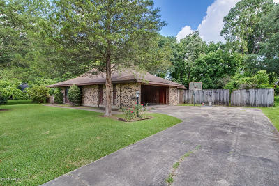 Lafayette Single Family Home For Sale: 302 Mitze Drive