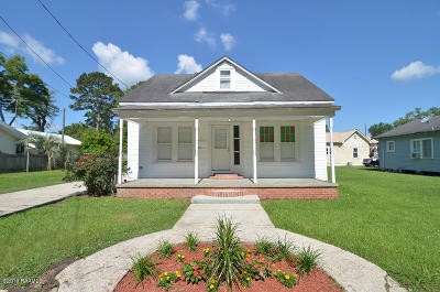 Eunice Single Family Home For Sale: 311 S 9th Street