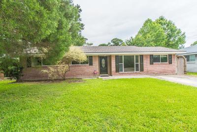Lafayette  Single Family Home For Sale: 102 Dryades Lane Lane