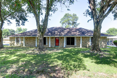 Lafayette Single Family Home For Sale: 201 Medford Drive