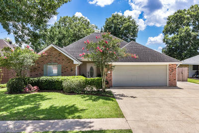 Lafayette Single Family Home For Sale: 113 Carolyn Drive