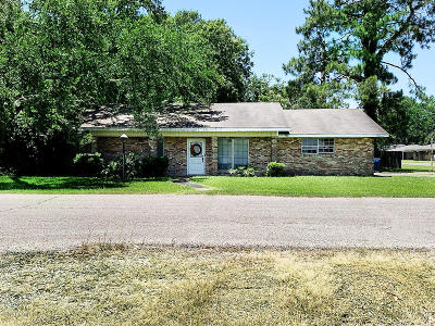 Jennings Single Family Home For Sale: 103 S Louise Street