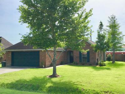 Lafayette  Single Family Home For Sale: 119 Chase Drive