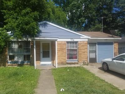 Lafayette  Single Family Home For Sale: 124 Town Homes Drive