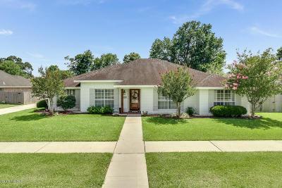 Single Family Home For Sale: 303 Oak Brook Boulevard