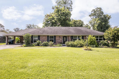 Lafayette Single Family Home For Sale: 203 Dover Drive
