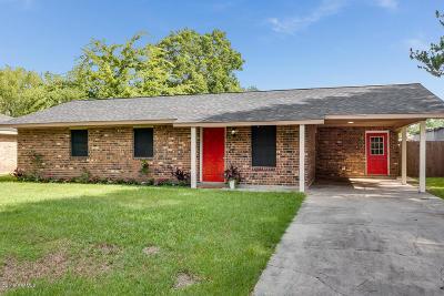 Single Family Home For Sale: 116 Burrow