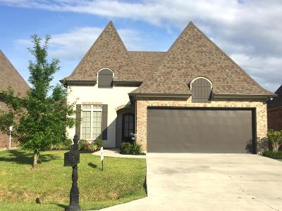 Single Family Home For Sale: 203 Fairwood Drive