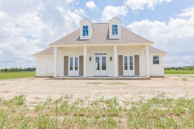 Single Family Home For Sale: 2010 Roberts Cove Road