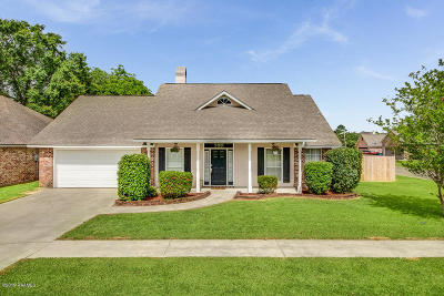 Single Family Home For Sale: 200 Huckleberry Drive
