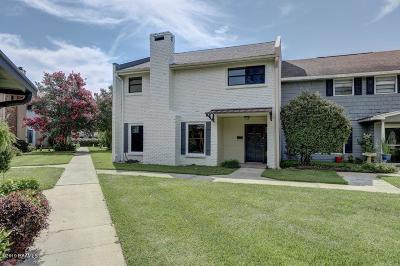 Lafayette Single Family Home For Sale: 202 Dublin Circle #H