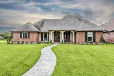 Lafayette Single Family Home For Sale: 106 Creek Bend