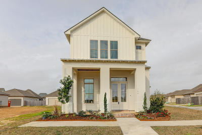 Lafayette Single Family Home For Sale: 104 Forestwood Drive