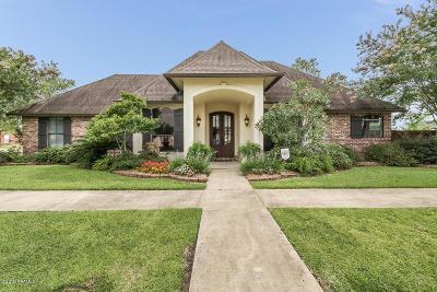 Lafayette  Single Family Home For Sale: 301 Chevalier Boulevard