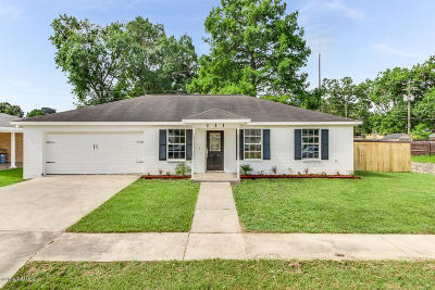 Lafayette  Single Family Home For Sale: 111 Brigante Place