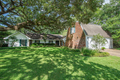 Lafayette Single Family Home For Sale: 607 Hickory Drive